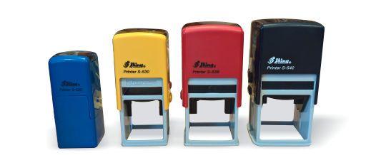 Pieczątki kwadratowe w automacie.