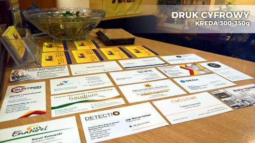 Wizytówki cyfrowe drukujemy ekspresowo w 1h w Toruniu.